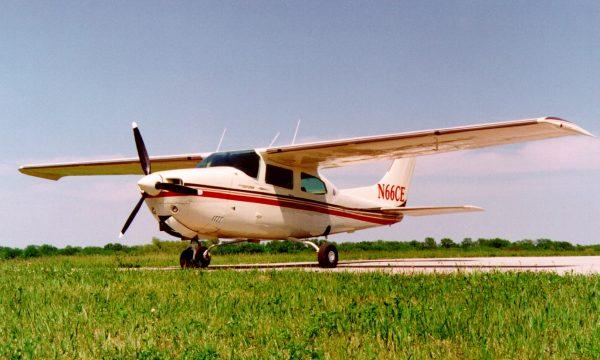 Cessna 210 FIKI
