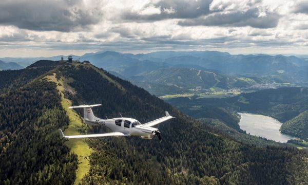 Diamond Aircraft launch new DA50 RG with TKS Ice Protection